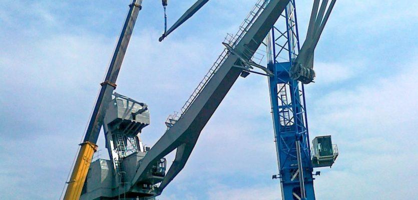 Port-Crane